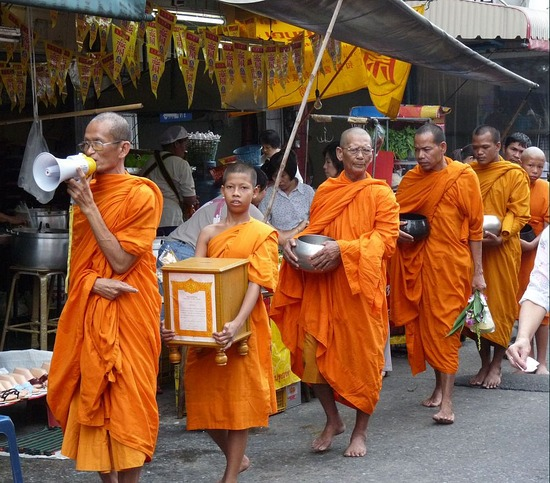 bangkok-monks-i18