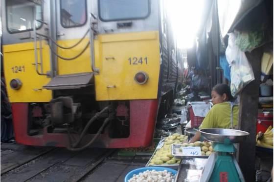 train coming2